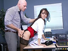 Assignation lassie Reena Tone nearly stockings increased by miniskirt fucked by her boss