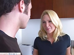 Sexy sister's girlfriend Alexis Malone turned to be a blowjob expert together with insatiable bitch