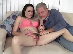 Old man wants babe's hairy cunt for hardcore pleasures