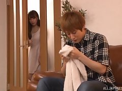 Enticing Japanese model gets her confess b confront pounded on the hibernate sofa
