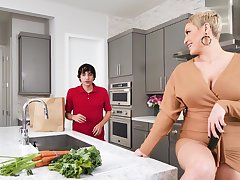 Hardcore fucking in the kitchen with busty mature Ryan Keely